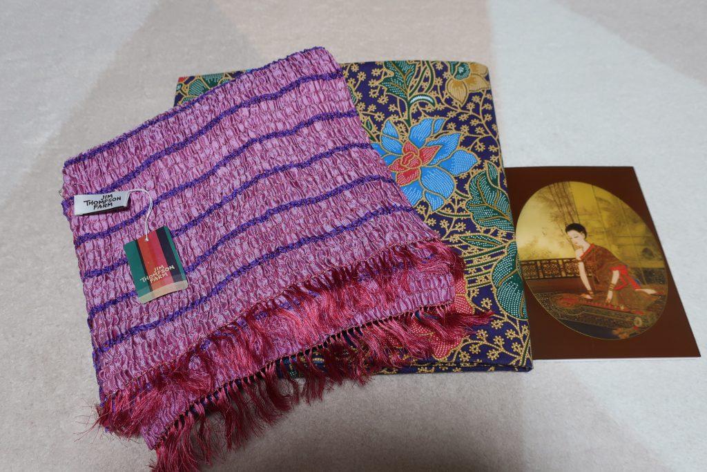 タイに滞在中の生徒さんから贈り物とカードが届きました